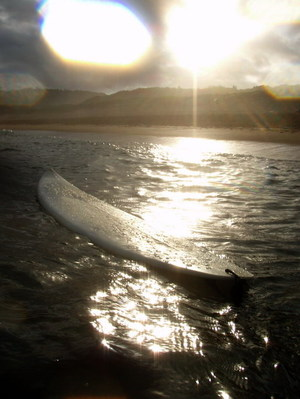 Late afternoon light, late afternoon surf