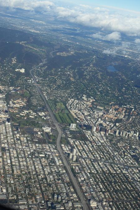 Sydney > Los Angeles