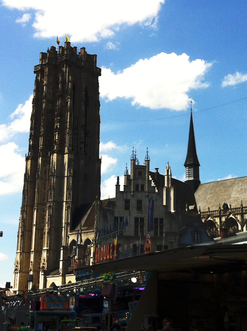 Quick meal at the Grote Markt in Mechelen at Den Beer