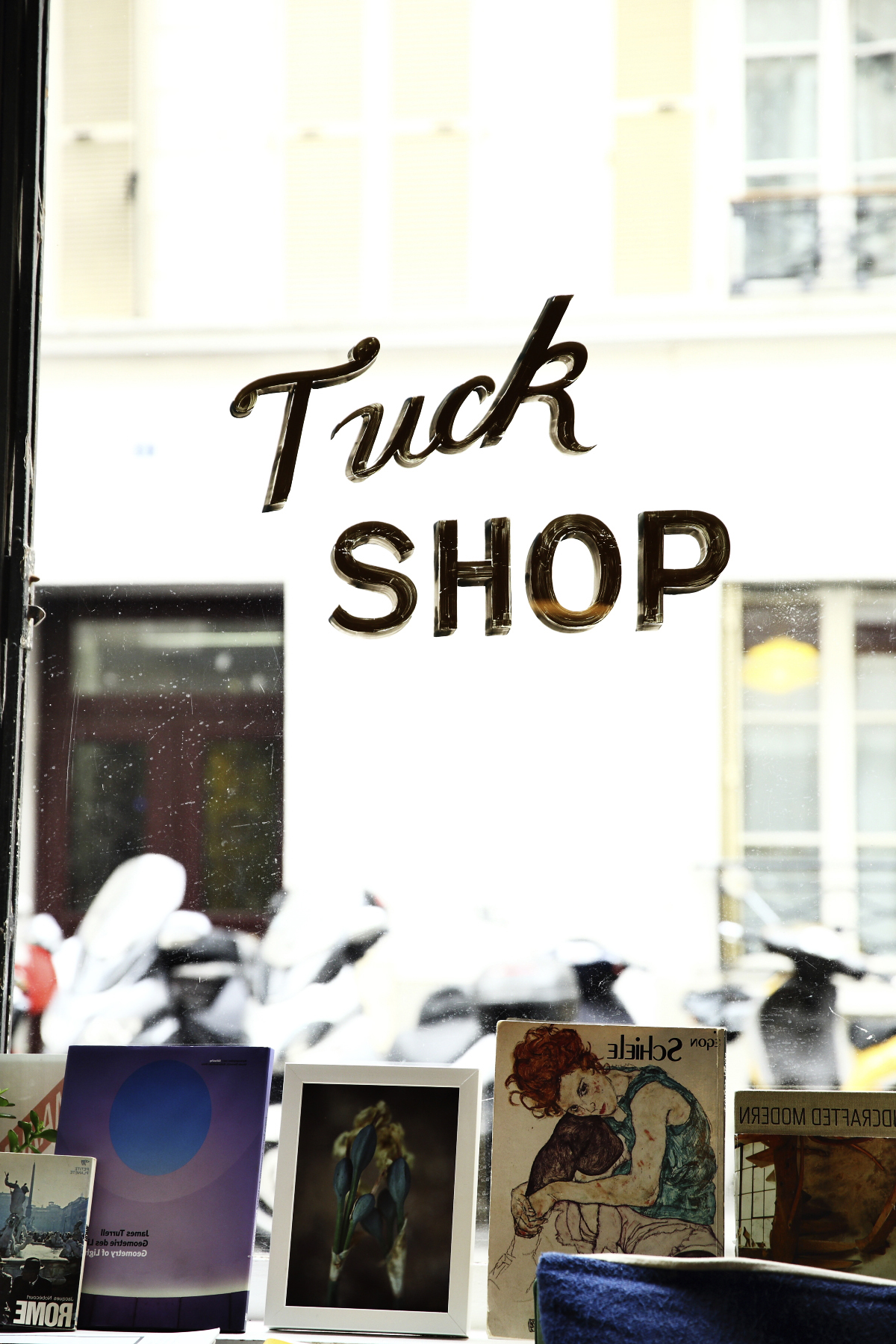 The Tuck Shop - Australian Coffee Shop in Paris