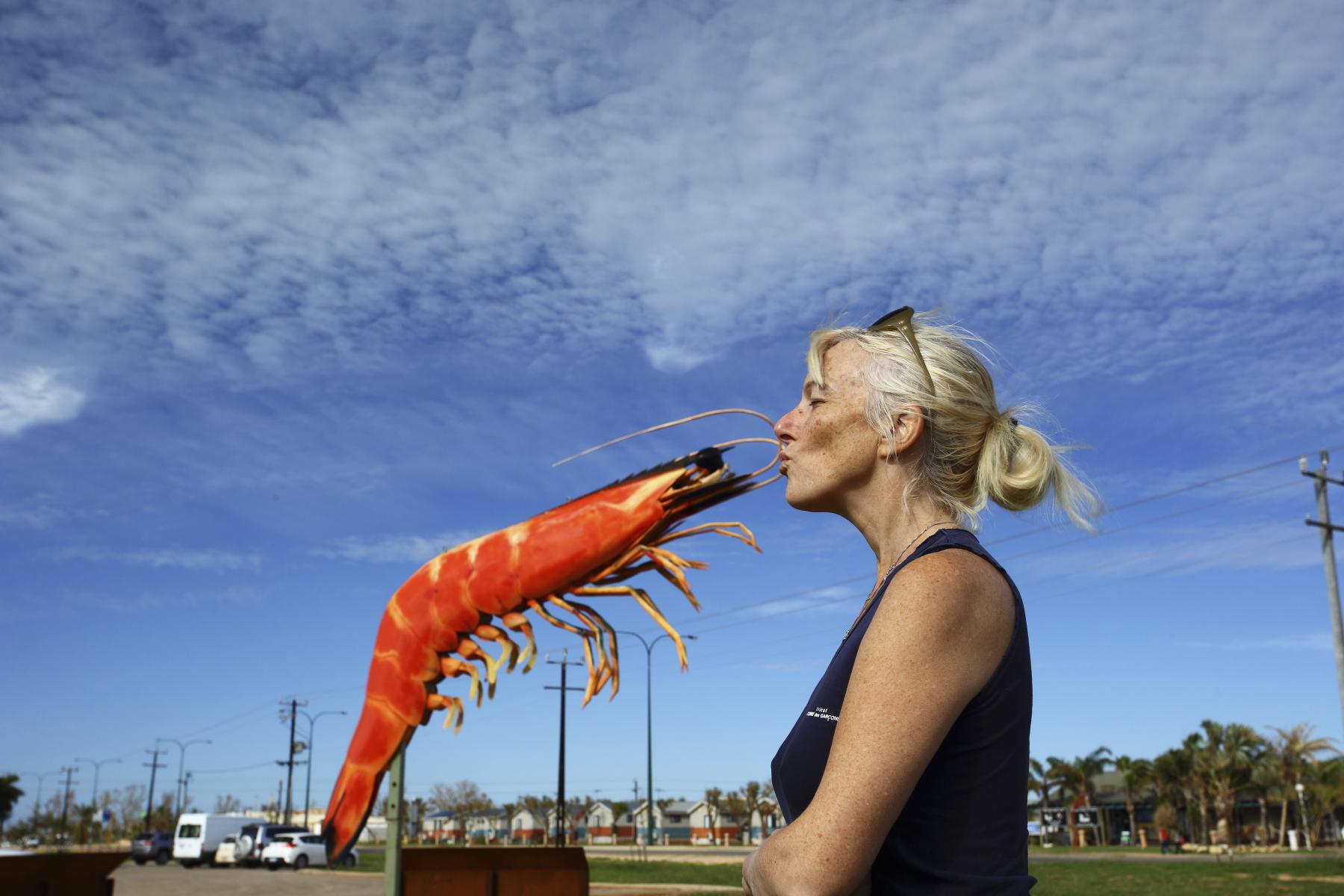 how to clean big prawns