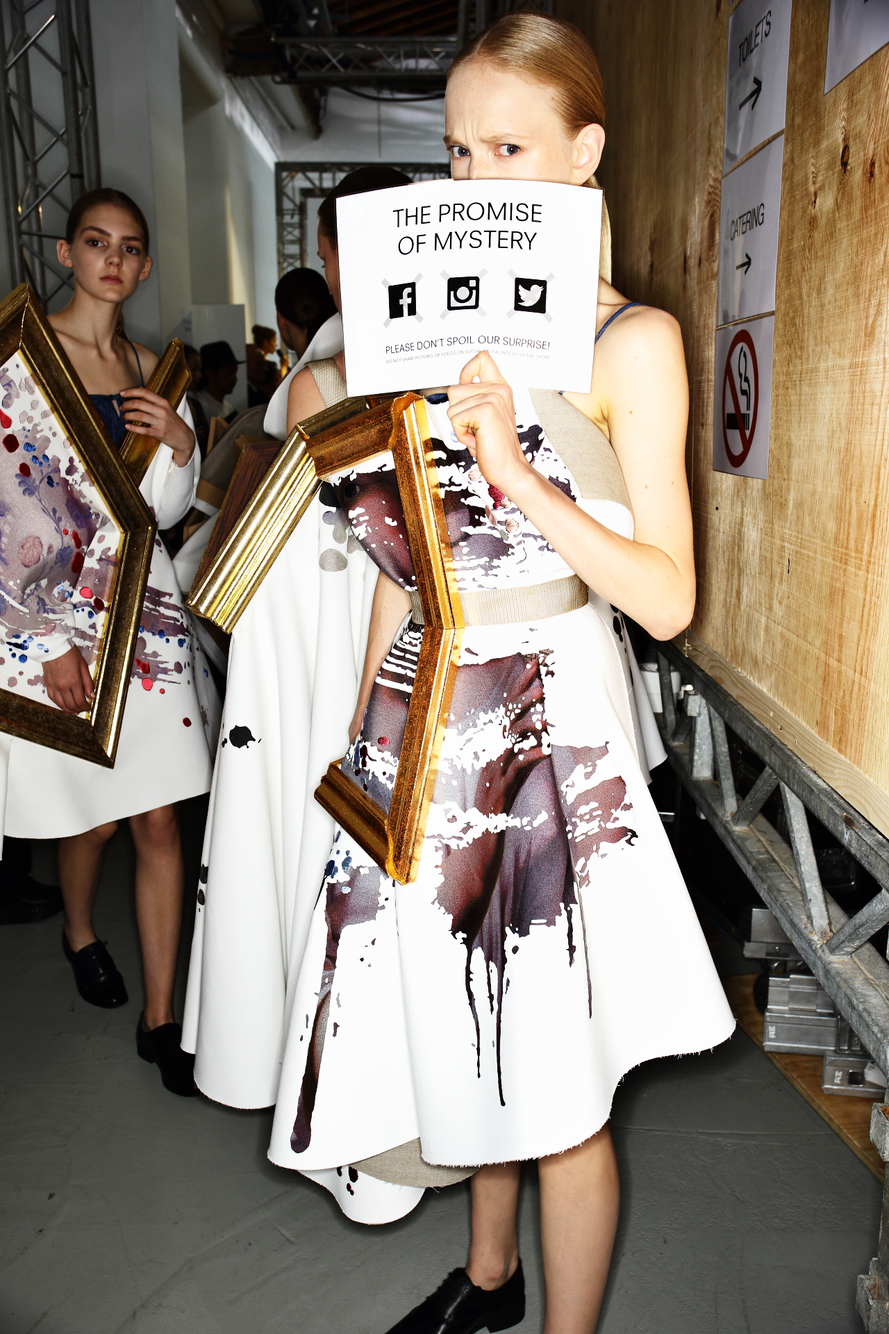 Viktor & Rolf Fall 15 Haute Couture Show Paris Backstage