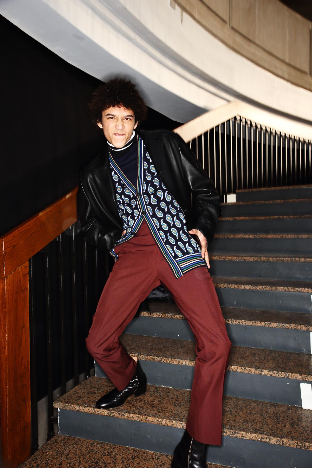sonny vandevelde paul smith fall 16 men fashion show paris backstage. Black Bedroom Furniture Sets. Home Design Ideas
