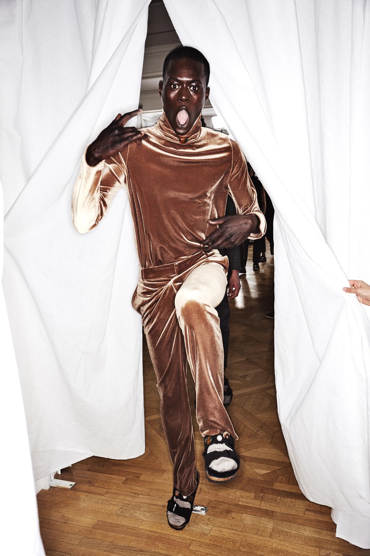 22/4_Hommes Fall 17 Men Fashion Show Paris Backstage