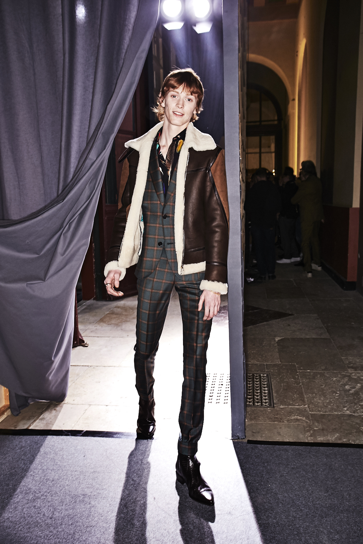 sonny vandevelde paul smith fall 17 men fashion show paris backstage. Black Bedroom Furniture Sets. Home Design Ideas