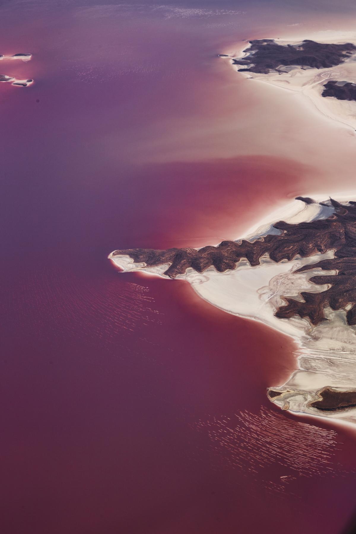 Dubai > Brussels EK183 Lake Urmia Iran