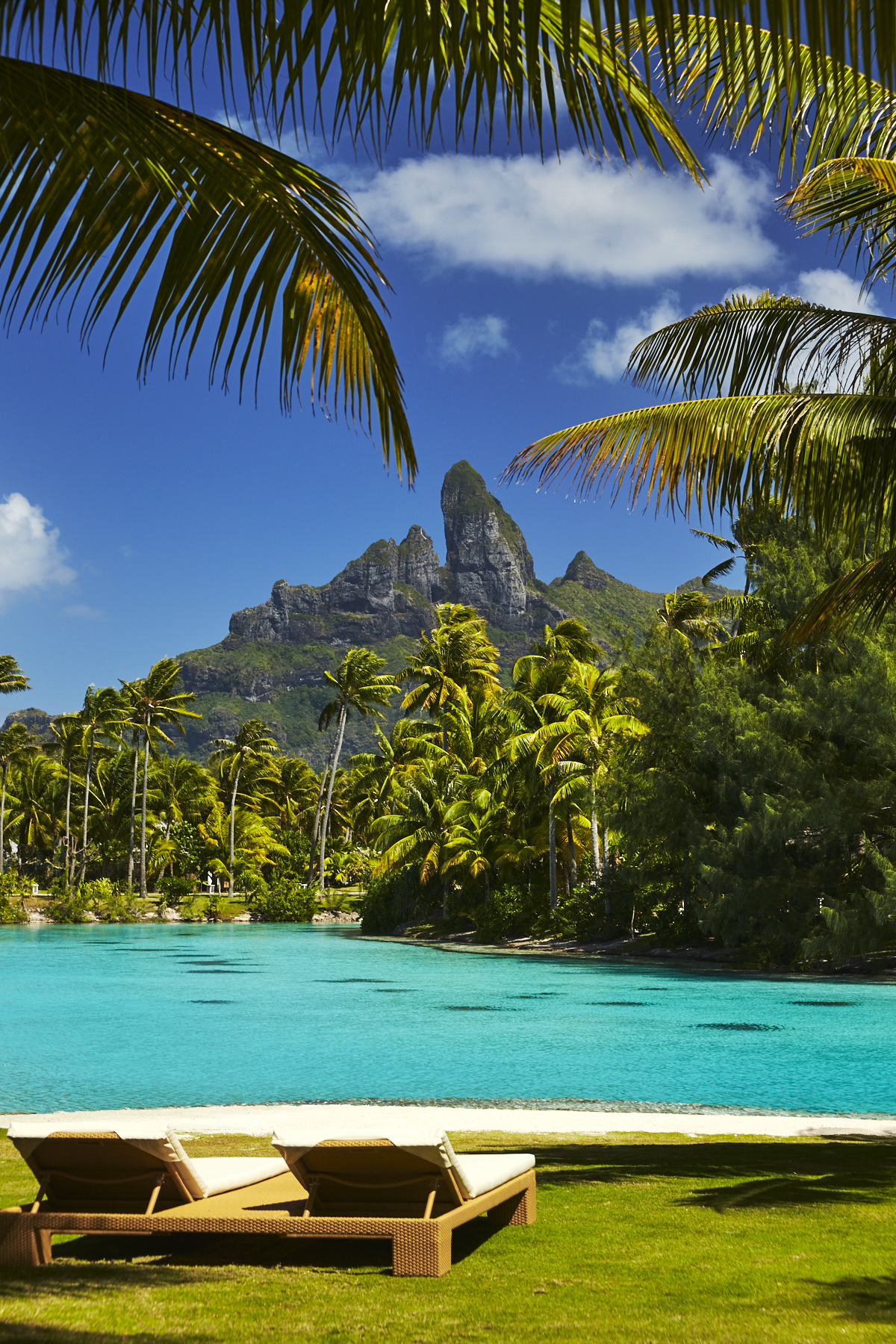 Getting from Bora Bora airport to the St. Regis Tahiti Style