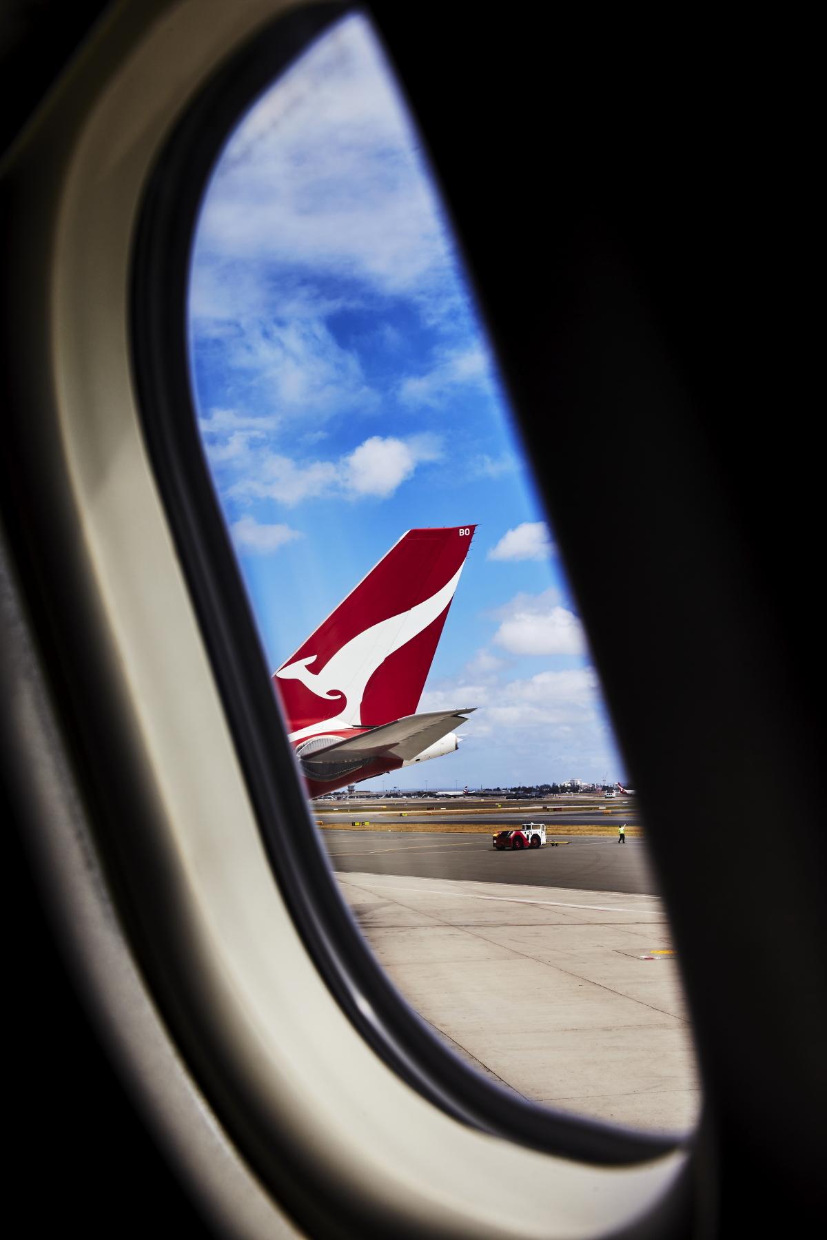 Melbourne > Sydney QF432