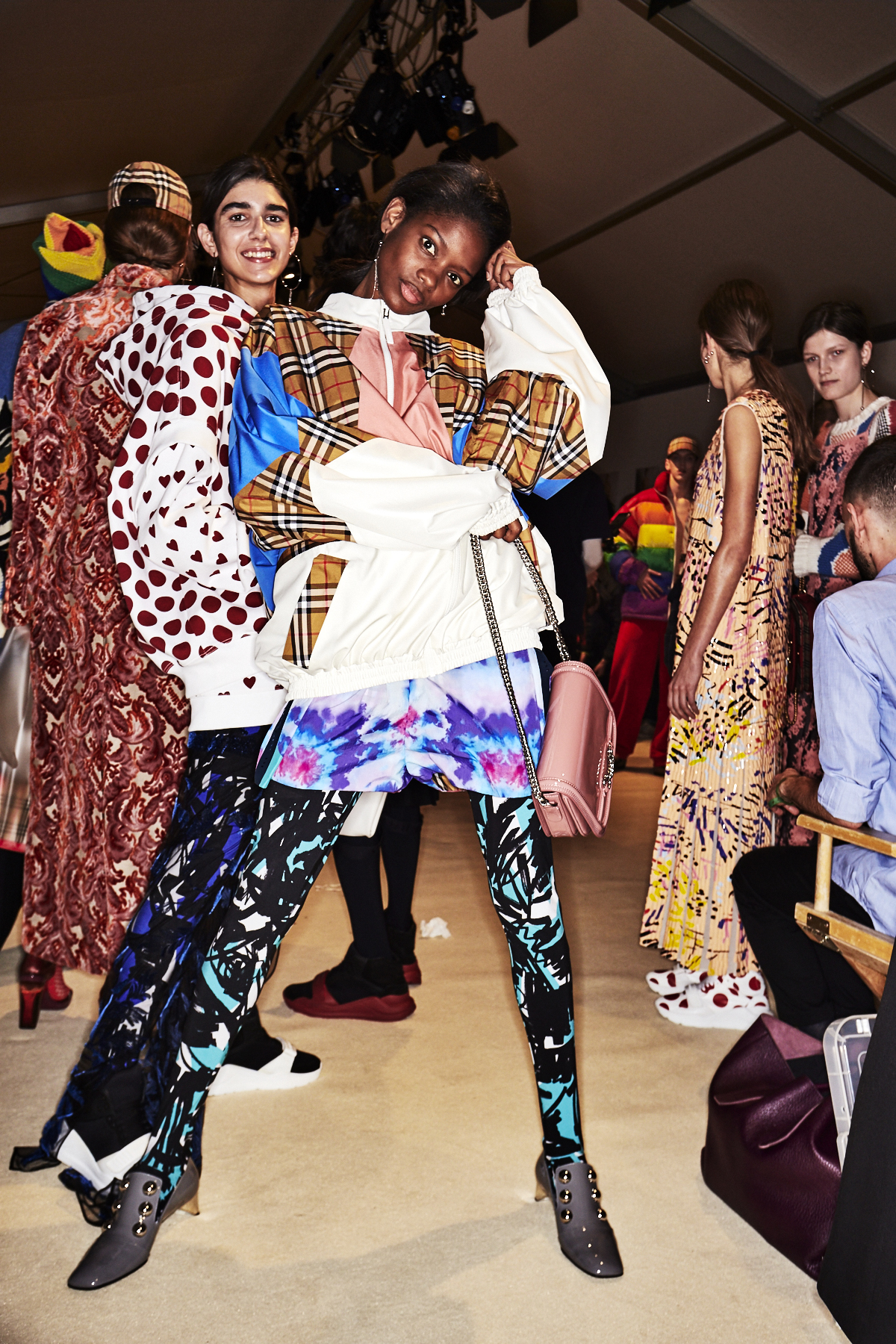 Sonny vandevelde burberry ss18 fashion show london backstage - Burberry fashion show ...