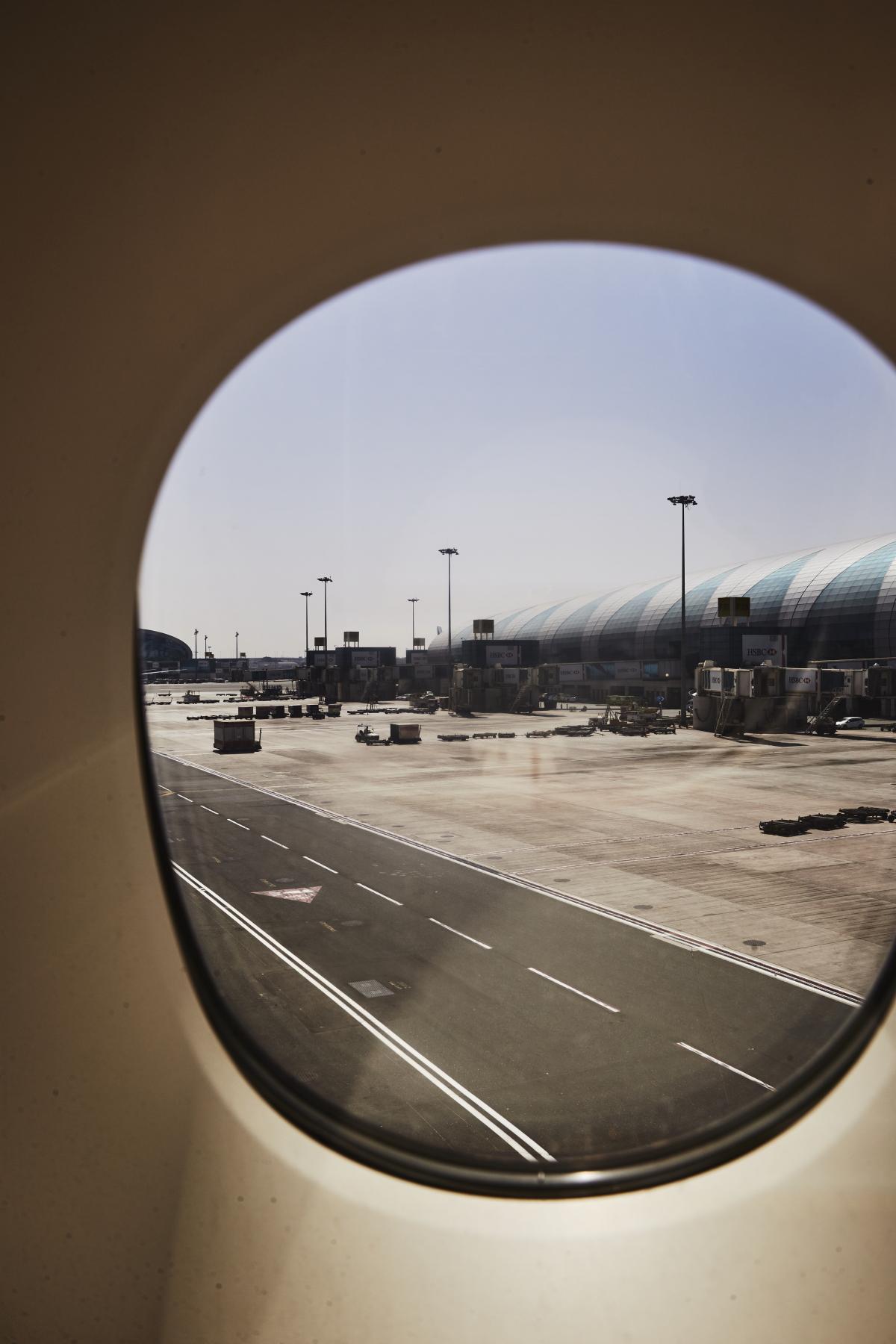 Dubai > Sydney EK 412